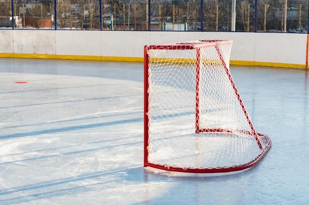 Hockeypoorten voor de wedstrijd bovenop straathockey Premium Foto