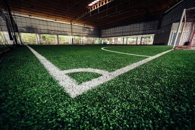 Hoeklijn van een indoor voetbalveld voetbalveld Premium Foto