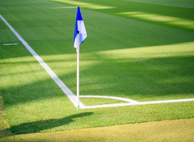 Hoekvlag in een spaans stadion Premium Foto