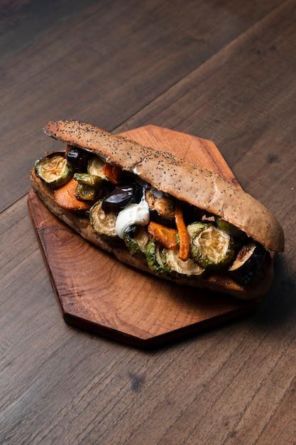 Hoge hoek vegetarische sandwich Gratis Foto