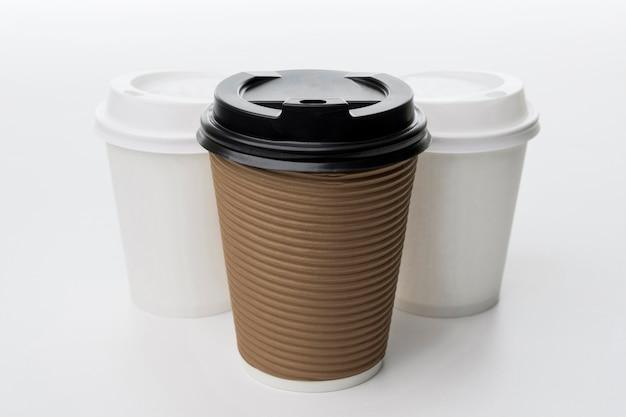 Hoge hoek verschillende koffiekopjes Gratis Foto