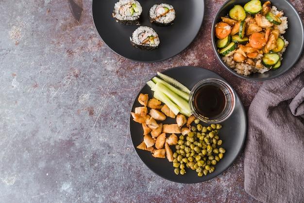 Hoge hoek weergave maaltijd met kopie-ruimte Gratis Foto