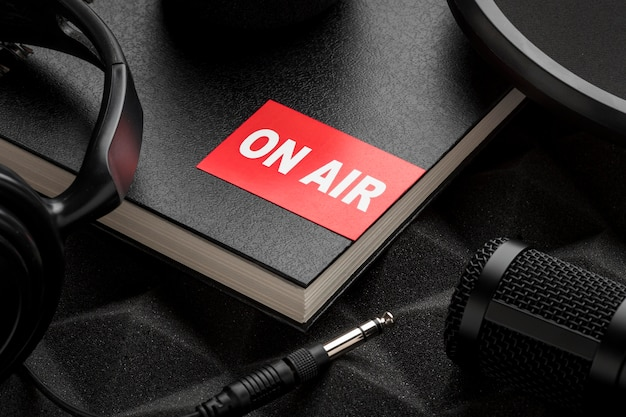 Hoge mening over het concept van de luchtradio Gratis Foto