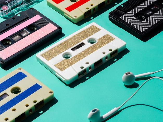 Hoofdtelefoon met cassette-collectie Gratis Foto
