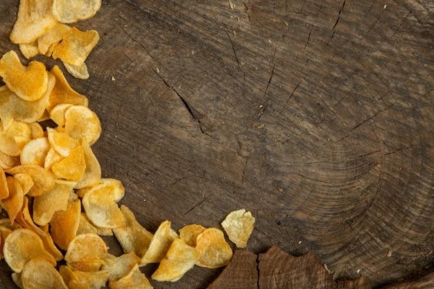 Hoogste mening van chips met exemplaarruimte op rusric Gratis Foto