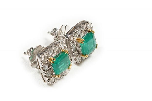 Hoogwaardige edelstenen accessoires, goud, diamant, robijn, parel, oorbellen Premium Foto