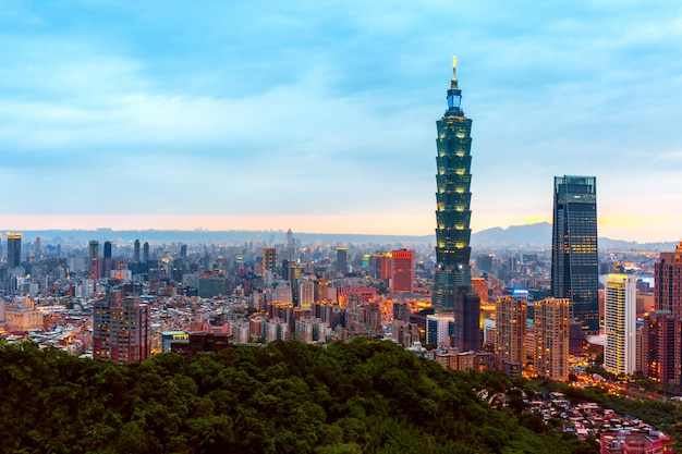 Horizon van cityscape van taipeh Premium Foto