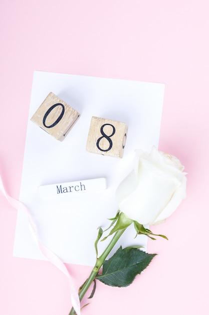 Houten blokkalender international van 8 maart womens day Premium Foto