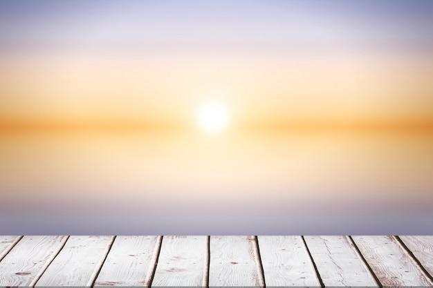 Houten vloer op een zonnige dag Gratis Foto