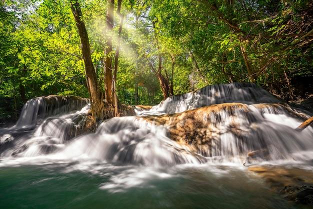 Huai mae kamin waterval Premium Foto