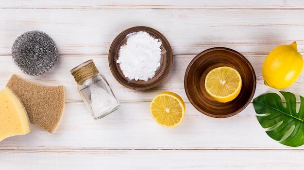 Huis eco-reinigers zout en halve citroen Gratis Foto