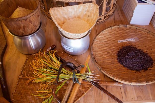 Hulpmiddelen in de rijstcluster in expo 2015, milaan Premium Foto