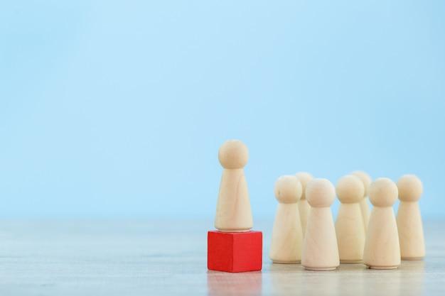 Human resource management, het vinden van mensen uit het bedrijfsleven en een commercieel team. met bedrijfsleidersconcepten - beeld. Premium Foto