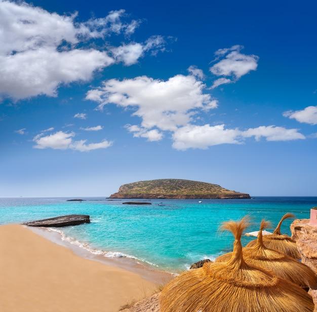 Ibiza cala comte conta strand balearen Premium Foto