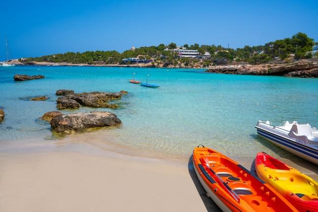 Ibiza portinatx arenal petit strand in balearen Premium Foto