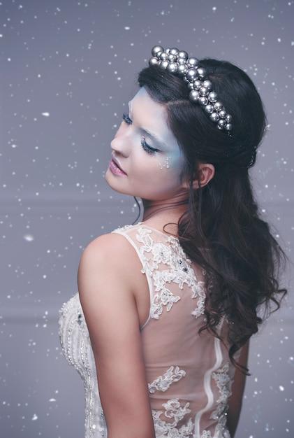Ice queen in winterlandschap Gratis Foto