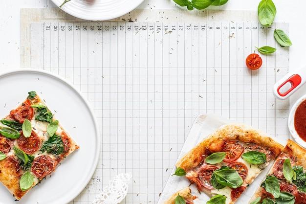 Idee voor vers zelfgemaakt pizzarecept Gratis Foto