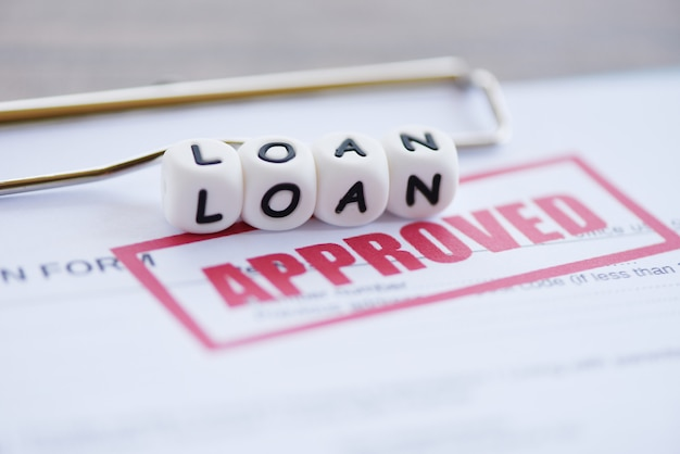 Inanciële lening aanvraagformulier voor geldschieter en lener voor hulp investeringsbank landgoed Premium Foto