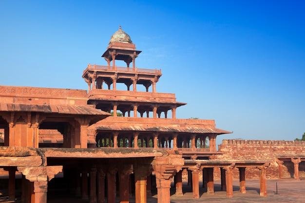 India. de verworpen stad fatehpur sikri. Premium Foto