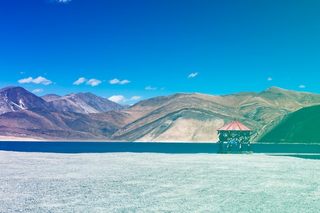 Indian travel destination lake mountain landscape Gratis Foto