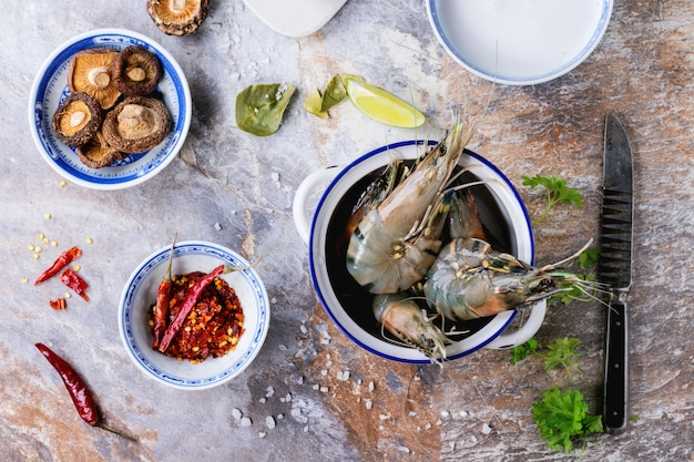 Ingrediënten voor soep tom yam Premium Foto