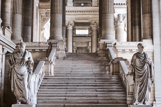 Interieur van de rechtbanken van brussel in belgië Premium Foto