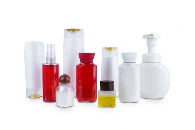 Inzameling van diverse plastic fles van schoonheids schoonheidshygiënecontainers met geïsoleerde lichaam bevochtigen Premium Foto