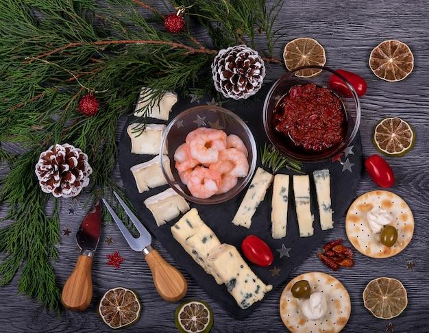 Italiaans eten plat leggen met kerst decor Premium Foto