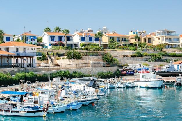 Jachthaven in protaros, cyprus. Premium Foto