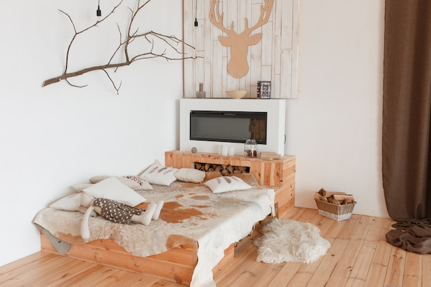jachthuis slaapkamer interieur natuurlijke rustieke houten vloer en bed gratis foto