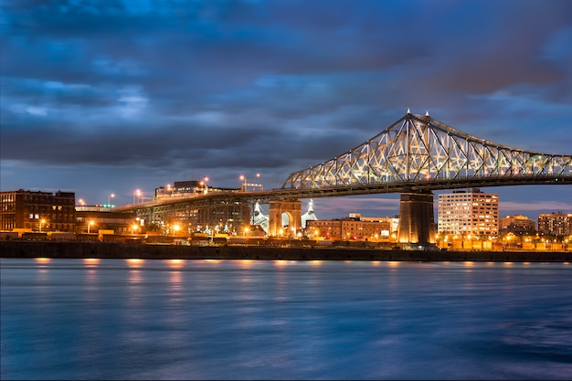 Jacques cartier bridge in canada Premium Foto