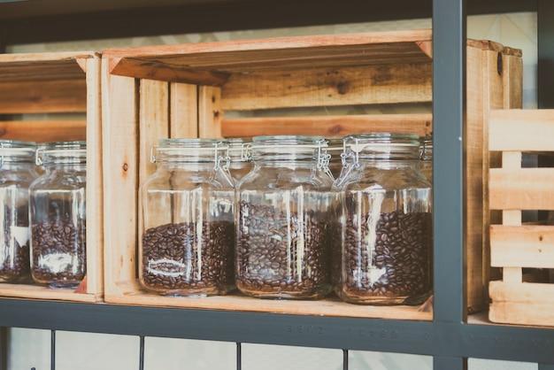 Jar koffiebonen - vintage filter Gratis Foto