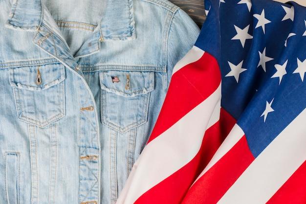Jean-vest en de vlag van de vs Gratis Foto