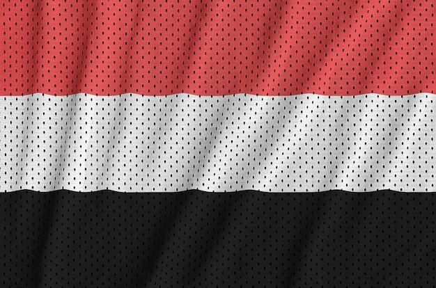 Jemen vlag gedrukt op een polyester nylon sportkleding mesh stof Premium Foto