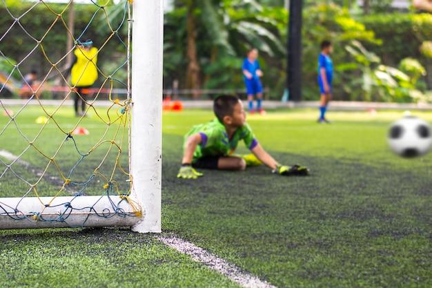 Jeugdvoetbal oefenoefeningen Premium Foto