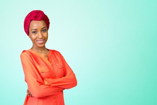 Jonge afro-schoonheid Premium Foto