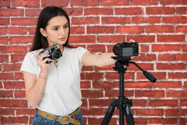 Jonge blogger klaar om uit te zenden Gratis Foto