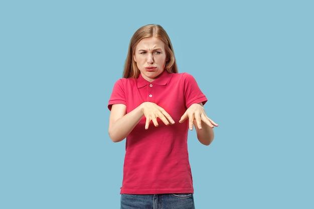 Jonge casual vrouw met afwijzing Gratis Foto