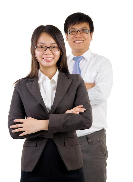 Jonge glimlachende zakenman en onderneemster Premium Foto