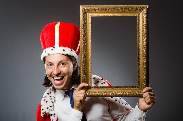 Jonge koningszakenman Premium Foto