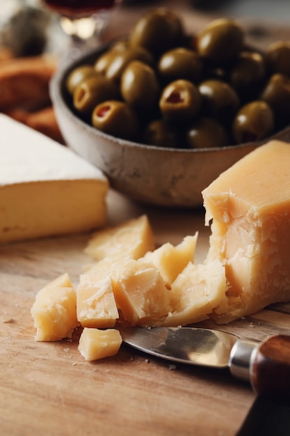 Kaas en olijven Gratis Foto