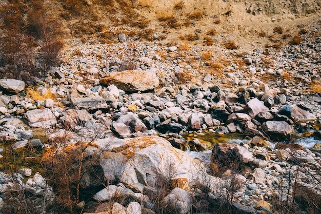 Kalksteenberg voor mijnbouw Premium Foto