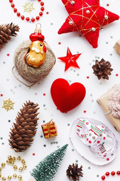 Kerst achtergrond met decoraties. Premium Foto