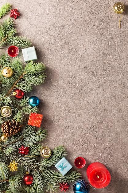 Kerst achtergrond met kerstboom decoratie Premium Foto