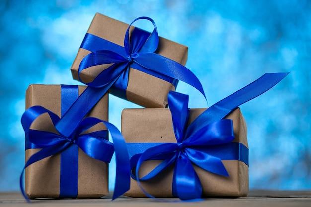 Kerst- of verjaardagscadeaus. Premium Foto