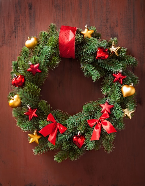 Kerst winter decoratie krans fir tree ster Premium Foto