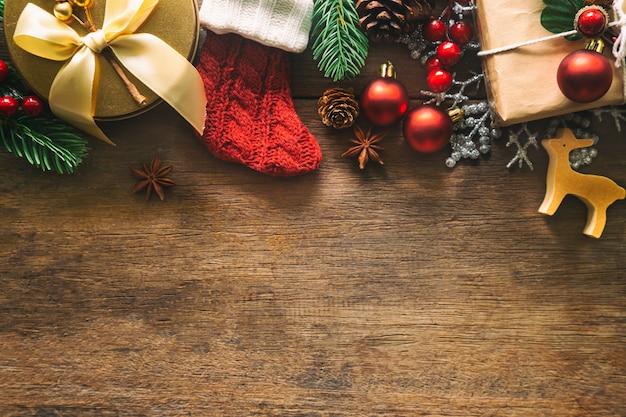 Kerstmis en nieuwjaar achtergrond ingericht huisthema. Premium Foto