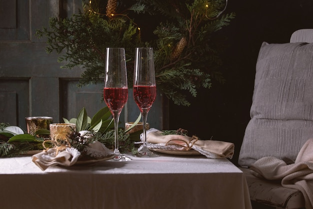 Kerstmis of nieuwjaar tabel instelling Premium Foto