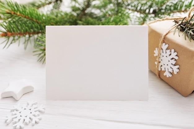 Kerstmis voor wenskaart vel papier met copyspace Premium Foto