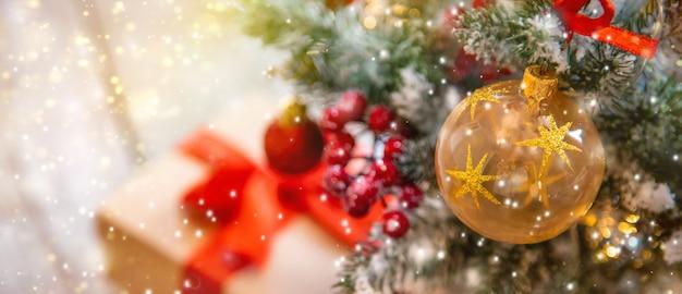 Kerstmissamenstelling met mooi decor Premium Foto
